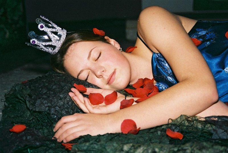 Ein Sommernachtstraum 2002: Königin Titania auf dem Blütenbett