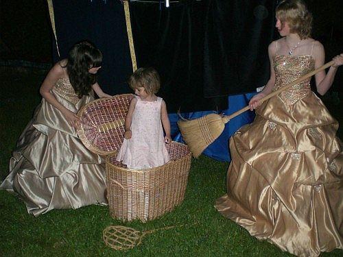 Junges Theater Beber 2007, Die lustigen Weiber von Windsor: Fotoshooting mit Maskottchen