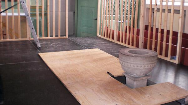 Maßarbeit: Bühnenbau in der Kirche in Afferde