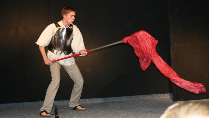 Don Quijote kämpft mit dem Weinschlauch