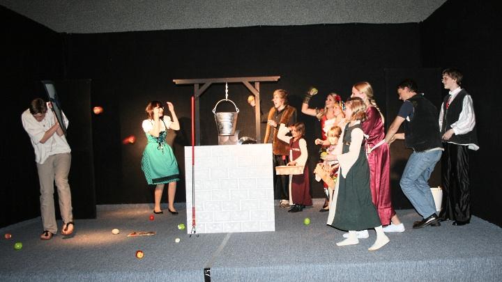 Don Quijote: Obstwerfen für Fortgeschrittene (Junges Theater Beber)