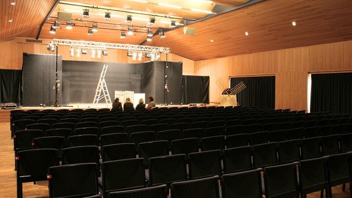 Martin Schmidt-Konzertsaal Bad Münder: Innenansicht, Junges Theater Beber
