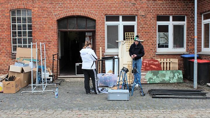 Junges Theater Beber: Lager Aufräumaktion 2012