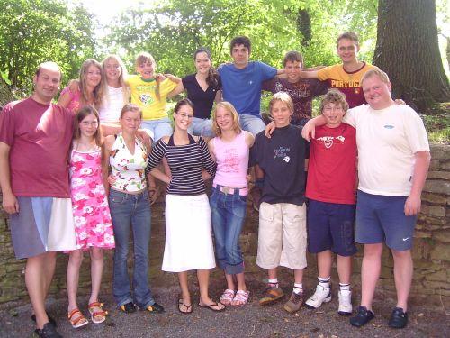 Junges Theater Beber 2006, Die Zauberflöte: Gruppenbild der Schauspieler