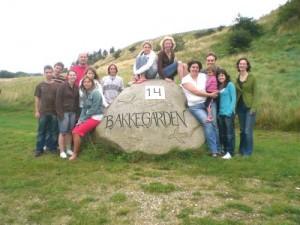 Junges Theater Beber, Theaterfreizeit 2007: Abschlussbild vorm Haus Bakkegarden 14