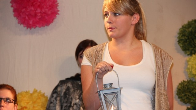 Ein Sommernachtstraum 2012: Handwerker Squenz mit Laterne (Junges Theater Beber)