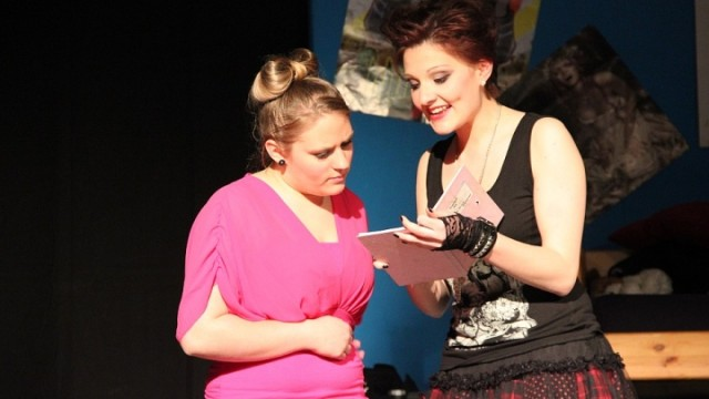 Rosa Helfers 2014: Hauptrollen Laura und Kim (Junges Theater Beber)