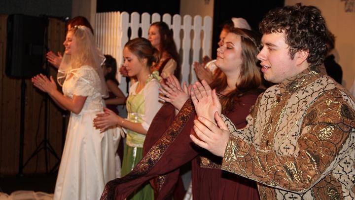 Viel Lärm um nichts 2014, Applaus. Foto: Stefan Zawilla, Junges Theater Beber