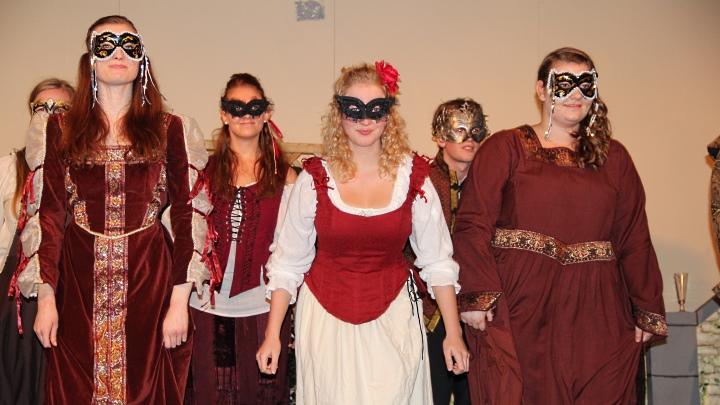 Viel Lärm um nichts 2014, Premiere: Maskenball. Foto: Stefan Zawilla, Junges Theater Beber