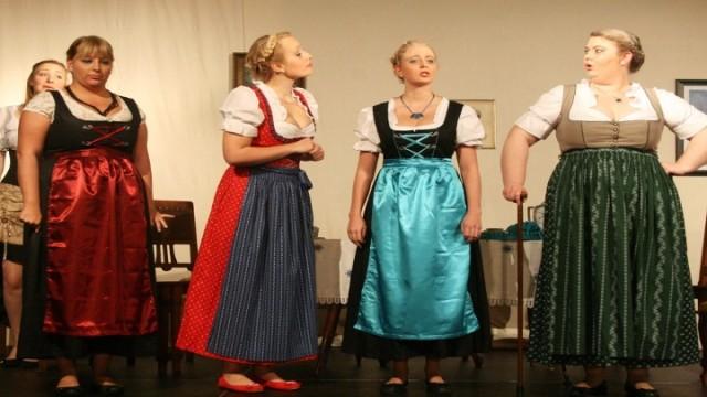 Die deutschen Kleinstädter, Beber, Frau Mies