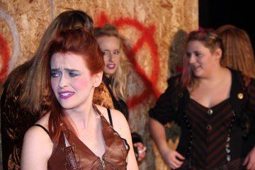 Irgendwie Irgendwann 2018: Mary, Punkerinnen. Foto: Stefan Zawilla, Junges Theater Beber